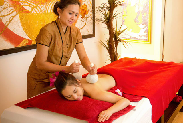 Royal Thai Kräuterkompresse-Massage