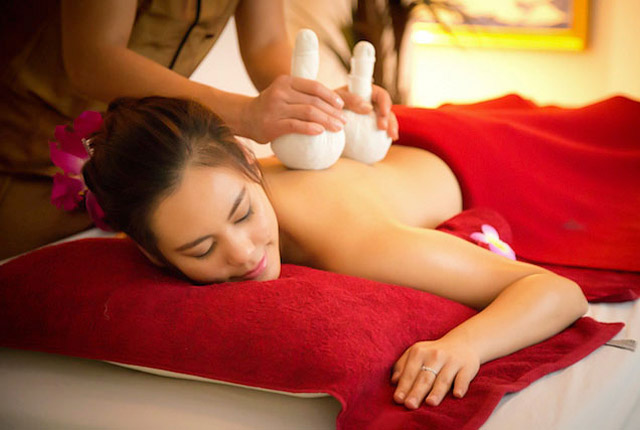 Aromatic Thai Flower Massage